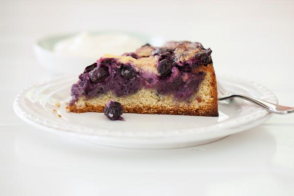 Blueberrysourcreamcake_070212_9871