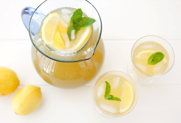 Foodlovers website, Helen Jackson. Recipes. L&p and pineapple juice. Photos by Carolyn Robertson