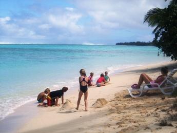 beach playM