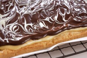 Foodlovers website, Helen Jackson. Millionaires shortbread slice. Photos by Carolyn Robertson