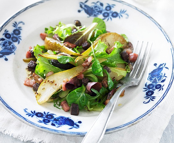 pear and bacon salad