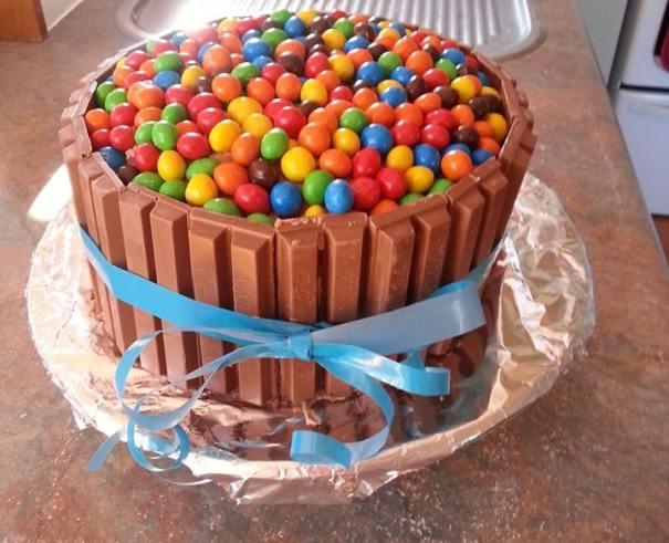 Peachy Kit Kat Cake Melissa Ballantyne Recipes For Food Lovers Birthday Cards Printable Opercafe Filternl